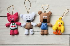 Купить или заказать Набор ёлочных игрушек 'Мишки мимимишки' в интернет-магазине на Ярмарке Мастеров. Набор елочных игрушек 'Мишки мимимишки'. по мотивам одноименного мультфильма. Ваши детки будут очень рады таким игрушкам, любимым мульт героям Набор состоит из 4 игрушек, выполненных вручную из фетра. У деток будет возможность не только украшать самим елочку (игрушки абсолютно безопасны и не разобьются как стеклянные))), но и просто играть в них.