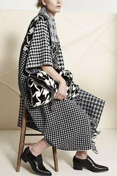 Stella McCartney Pre-Fall 2014 Fashion Show Fashion Week, Fashion Show, Fashion Design, Stella Mccartney, Haute Couture Designers, White Fashion, Passion For Fashion, Balmain, Ready To Wear