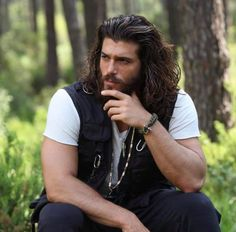 I sawyou and your love singing on computer thank you both Gorgeous Men, Beautiful People, Turkish Men, Turkish Actors, Boys Long Hairstyles, Beard Lover, Handsome Actors, Handsome Celebrities, Attractive Men