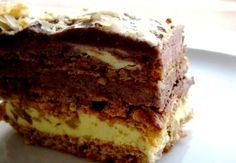 N-are egal! E cea mai buna! Romanian Desserts, Romanian Food, Sweets Recipes, Cake Recipes, Cake Factory, Pastry Cake, Eat Dessert First, Food Cakes, Something Sweet