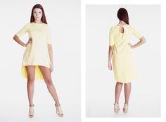 Żółta sukienka, z dłuższym tyłem, wiązana. Idealna na letnie imprezy. Zapraszamy na www.GANTOS.pl oraz do nowego sklepu na ul. Abrahama 10 w Gdyni. Na nasze klientki czeka dużo promocji i wyprzedaży!