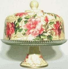Pink Rose Glass Pedestal Rose Cake Plate with Cover. Hand Decorated in the USA using vintage papers and a secret decoupage process! 11 x 11 inches Wonderful Vintage Look! Cake Stand With Dome, Cake Dome, Cake And Cupcake Stand, Shabby Chic Français, Cake Carrier, Dessert Aux Fruits, Vintage Cake Stands, Pedestal Cake Stand, Glass Cakes