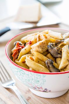 Penne with Mushrooms, Chicken, and Sundried Tomatoes