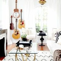 How to Display Musical Instruments as Décor‎