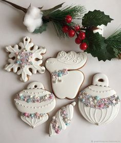 Cute Christmas Cookies, Iced Cookies, Christmas Sweets, Christmas Cooking, Royal Icing Cookies, Holiday Cookies, Holiday Baking, Cupcake Cookies, Christmas Desserts