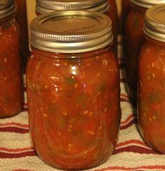 How to Can Chili Sauce Chili Sauce Recipe Canning, Hot Sauce Recipes, Canning Recipes, Green Chili Sauce, Sweet Chilli Sauce, Sweet Chili, Freezing Tomatoes, Canning Tomatoes, Ketchup Sauce