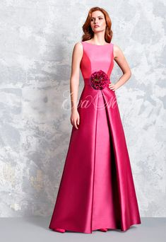 f809ec50f Vestido de fiesta Modelo 1158 de Pepe Botella by Lucia Botella 2017 en Eva  Novias Madrid.  vestido  fiesta  madrina  2017  moda  fashion  dress   invitada