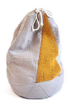 Seesack aus Sweatstoff und weicher Lammwolle, ideal als Reisebegleiter oder zur Aufbewahrung Zuhause / handmade backpack, knitted and sewed made by hjärtslag via DaWanda.com