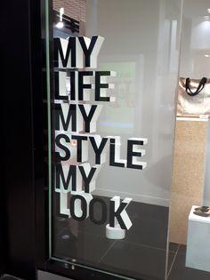 "Vitrine NewLook - ""My Life, My Style, My Look"" - Paris, Mai 2017 | Photo: Beausoleil France #mode #fashion #lettres #volume #vitrine #window #display"