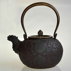 1000 images about japanese cast iron teapots on pinterest irons dragon and crabs - Cast iron teapot dragon ...