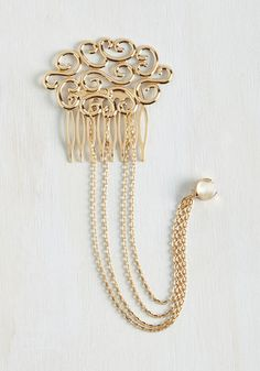 Chain the Rules Hair Comb. You are a gal who loves to think outside the box. Hair Chains, Vintage Hair Accessories, Stylish Hair, Vintage Hairstyles, Hair Comb, Hair Jewelry, Modcloth, Retro Vintage, Gold Necklace