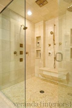 Shower- size, bench, shower head + hand sprayer
