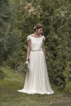 Maureen wedding dress in dotted tulle por MaudiKa en Etsy