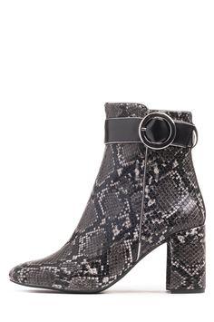 746c597b 36 mejores imágenes de Shoes   Flat Shoes, Clothing y Fashion shoes