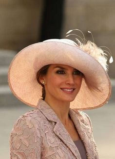 Cappelli da cerimonia - Letizia Ortiz, cappello rosa