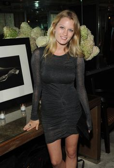 321 Best Ashley Hinshaw Images In 2017 Ashley Hinshaw Fashion