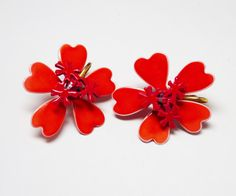 New Listings Daily - Follow Us for UpDates -  Red Flower Power Earrings - Orange Rd heart shaped Petals - Clip on Earrings - Enamel Red Earrings - #Vintage Mid Century Mod Era offered by #TheJewelSeeker on Etsy.    Color... #jewelry #teamlove #etsyretwt