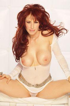 Female Celebrities Who Posed Nude Marilyn Monroe Playboy, Grace Slick, Jamie Lynn, Fine Girls, Debbie Gibson, Lynda Carter, Sexy Cartoons, Nude Photography, Khloe Kardashian