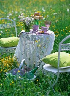justbelieve2him: Picnic.. …enjoy springtime!