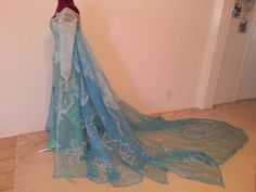 Frozen Disney Elsa Dress Picture Wallpaper