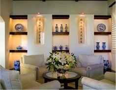 iluminação em estante Spots ou fitas de LED embutidas dão destaque para objetos em nichos e quadros.