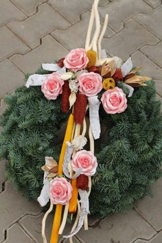 Grave Decorations, Christmas Wreaths, Floral Wreath, Flowers, Handmade, Home Decor, Xmas, Christmas Swags, Hand Made