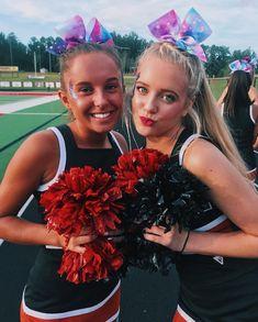 Cheerleading Cheers, Cute Cheerleaders, Cheerleading Pictures, Cheer Stunts, Cheer Dance, Volleyball Pictures, Softball Pictures, Cheer Picture Poses, Cheer Poses