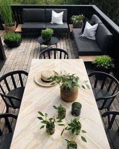New and Cheap Garden-Backyard Patio Furniture ideas DIY Outdoor Garden Furniture, Outdoor Rooms, Outdoor Dining, Outdoor Gardens, Dining Table, Black Outdoor Furniture, Patio Lounge Furniture, Garden Furniture Design, Outdoor Patios