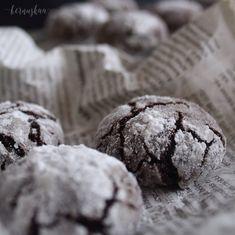 Csokis pöfeteg | Bernuskaa Food Design, Diy Food, Bread, Cookies, Chocolate, Desserts, Crack Crackers, Tailgate Desserts, Deserts
