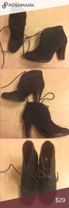 """New White Mountain Navy Blue Suede Ankle Boots New boots - style name is Snack - they are a soft navy Suede leather with a great heel,  about 3"""" high. white mountain Shoes Ankle Boots & Booties"""