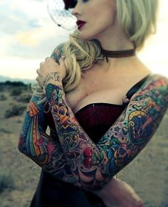 I normally hate sleeves on women but this looks amazing.