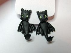 Toothless Night Fury clinging earrings from the Movie How To Train Your Dragon Fake Gauge