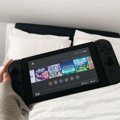Game on erbody 🎮 Nintendo Lite, Nintendo Switch Case, Nintendo Switch System, Super Nintendo, Nintendo Switch Accessories, Gaming Accessories, Ultimate Gaming Room, Mundo Dos Games, Otaku Room