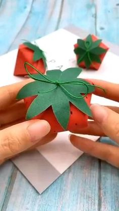 Diy Crafts Hacks, Diy Crafts For Gifts, Diy Arts And Crafts, Creative Crafts, Fun Crafts, Paper Crafts Origami, Paper Crafts For Kids, Paper Flowers Diy, Fashion Art
