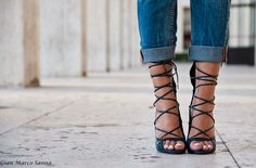 "Del blog ""Don't call me fashion blogger"" con unas sandalias de Más34 http://www.mas34shop.com #cdg_comunicacion #moda #modamujer #outfit #tendencias #fashion #modajoven #barcelona #shoponline #shoes #mas34"