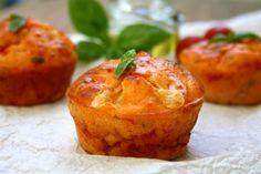 Muffins aux tomates cerises, mozzarella et basilic