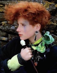 Vogue Italia September 1984 Drappeggi Tempestosi e Gran Sabba di Accessori Pt.1 Photo Albert Watson Models Alentine Dole, Alison Cohn & Unknown Hair Raymond Camacho Makeup Heidi Morawetz