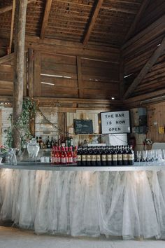 Wedding bar | rustic bar | bröllopsbar | DIY bar | barn wedding