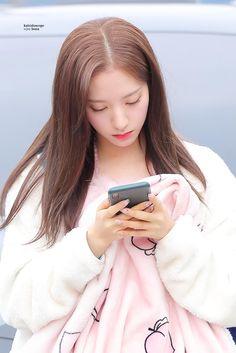 Don 2, Queens Wallpaper, Wheein Mamamoo, Cheng Xiao, Cosmic Girls, Kpop, My Girl, Celebrities, Female Artist