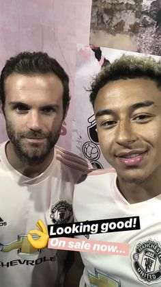 Juan and Jesse👌 Cristiano Ronaldo Celebration, Man Utd Squad, Jesse Lingard, Man United, Soccer Players, Manchester United, Peeps, The Unit, Football