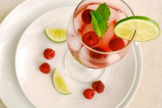 Non-Alcoholic Raspberry Mojitos