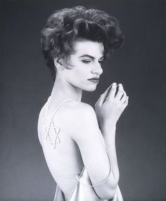 Sandra Bernhard by Robert Mapplethorpe Robert Mapplethorpe, Sandra Bernhard, Figure Photography, Gelatin Silver Print, Celebrity Portraits, Famous Photographers, Black And White Photography, Style Icons, Celebrities