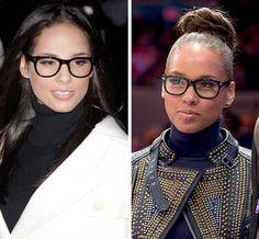 Alicia Keys, tan natural. No resaltan aunque sean grandes. Le quedan simplemente bien, sin más, le quedan como un guante, como un rasgo más de su rostro.