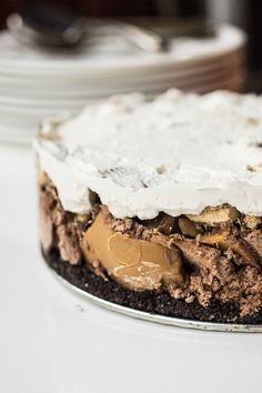 Sublime Peanut Butter Cup Ice Cream Pie - Full Cravings