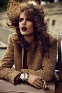 Kendra Spears photographed by Lachlan Bailey for Vogue Paris November 2012 - Hair by Rudi Lewis, Makeup by Yadim Carranza, Stylist Claire Dhelens Fashion Foto, Look Fashion, Paris Fashion, Trendy Fashion, Fashion Models, Fashion Beauty, Autumn Fashion, Trendy Style, Vintage Photography