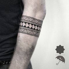 tribal, arm band, line work, details, geometric tattoo, geometry, clean lines, greenpoint, brooklyn