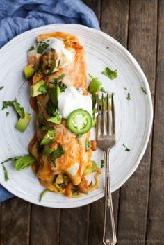 Inspiralized Vegetable Enchiladas are a easy light 30 minute meal. Perfect for your next taco night or quick weeknight dinner! Tostadas, Tacos, Best Vegetarian Recipes, Easy Healthy Recipes, Mexican Food Recipes, Going Vegetarian, Vegetarian Dinners, Veg Recipes, Healthy Meals