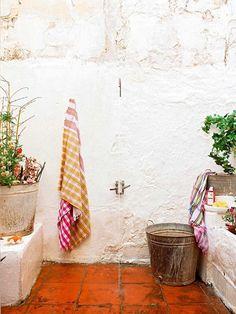 mediterranean outdoor shower / sfgirlbybay