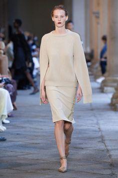 Fashion 2020, Love Fashion, Runway Fashion, Fashion News, Spring Fashion, Fashion Show, Fashion Outfits, Fashion Trends, Milan Fashion