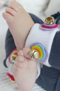 Sonajeros para bebés hechos con calcetines   Blog de BabyCenter